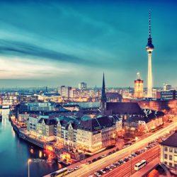 MISSIONE A BERLINO DI UN REDATTORE SUICIDA | racconto di Angelo Calvisi
